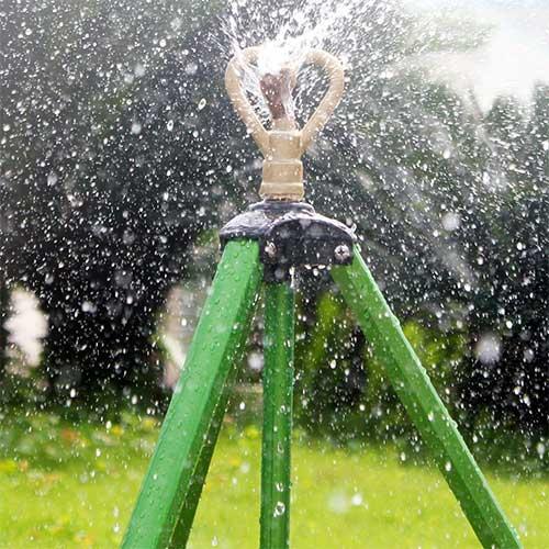 Top 5 Best Tripod Sprinklers in 2019 Reviews