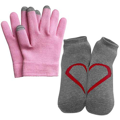 Best Moisturizing Gloves for Dry Hands 6. Moisturizing Hydrating Gel Booties and Gloves Set - Touch screen compatible. Fits Size 4 to 9. By Soul Good Club