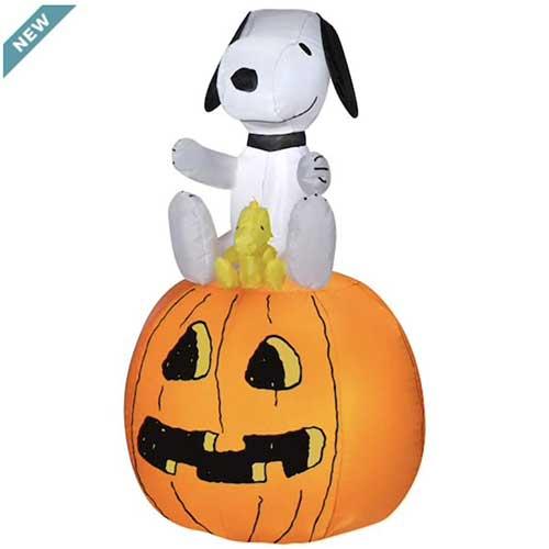 2. Gemmy Industries Halloween Peanuts Snoopy