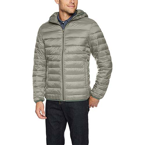 6. Amazon Essentials Men's Lightweight Water-Resistant Packable Hooded Puffer Jacket